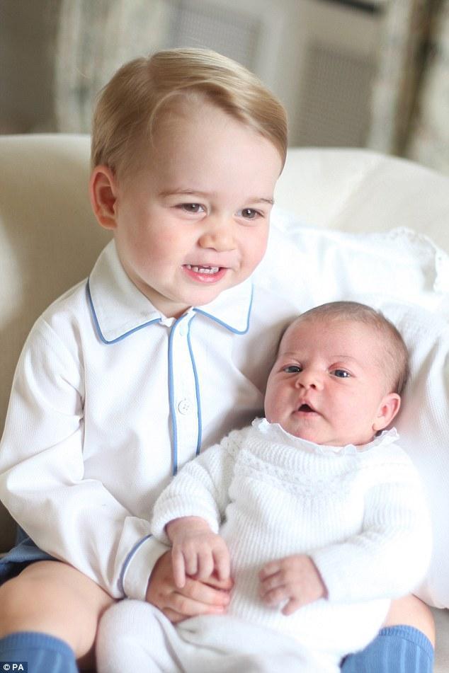 двете деца